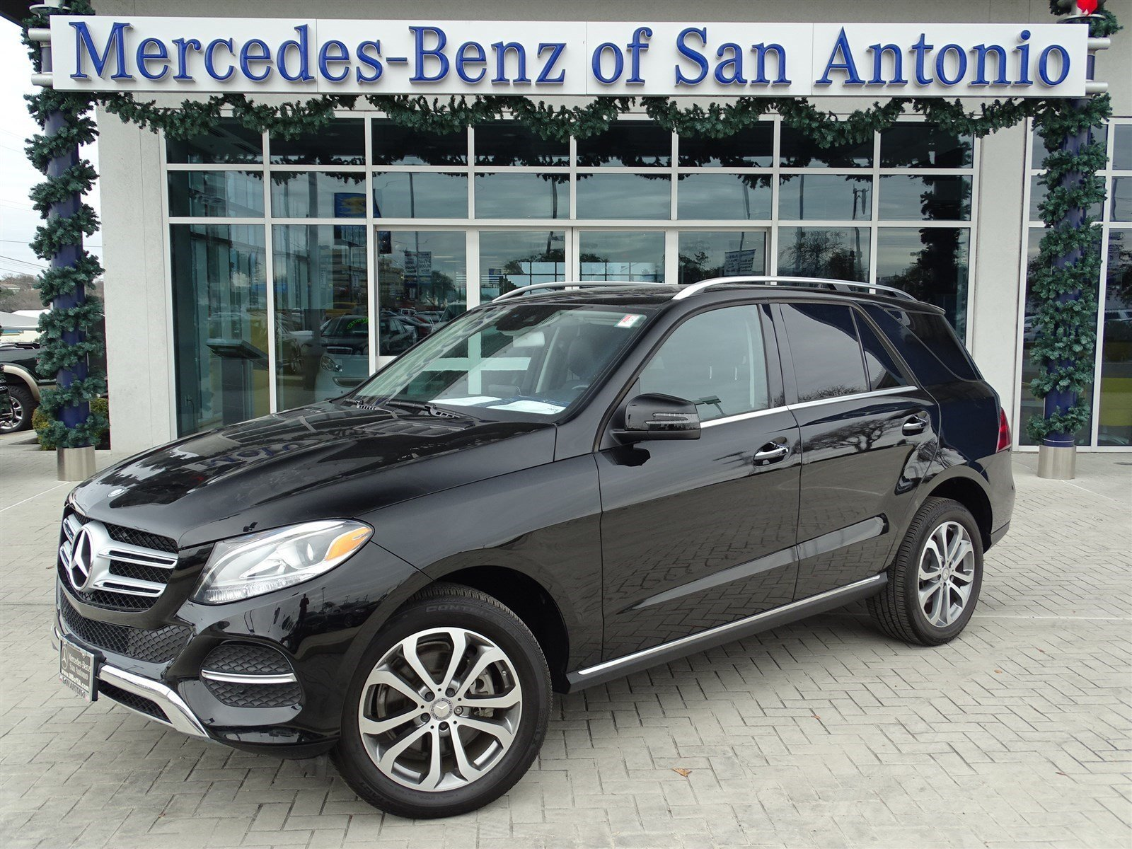 certified pre owned 2016 mercedes benz gle gle350 suv in san antonio n13933 mercedes benz of. Black Bedroom Furniture Sets. Home Design Ideas