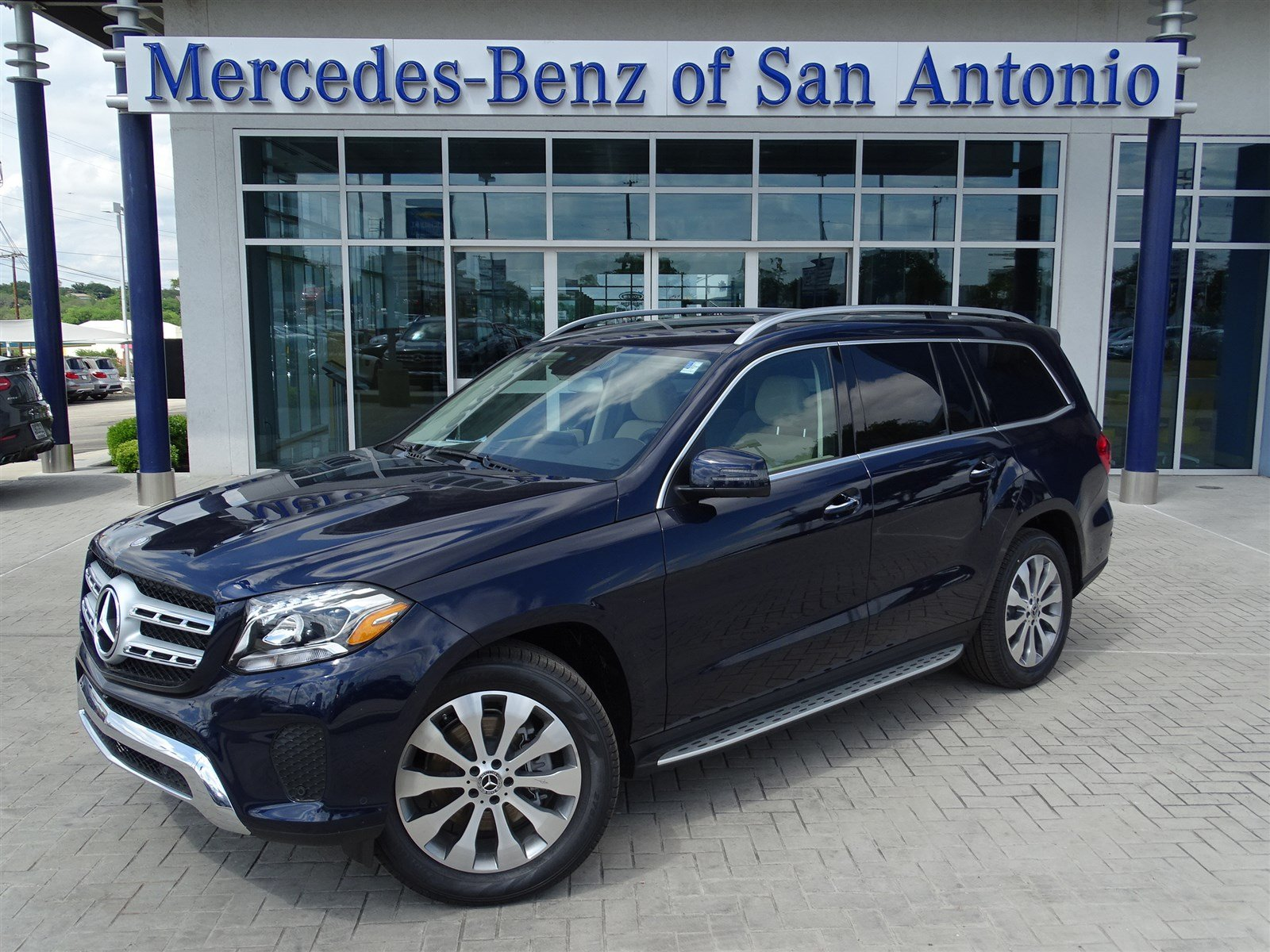 New 2017 mercedes benz gls gls 450 suv in san antonio for 2017 mercedes benz gls 450