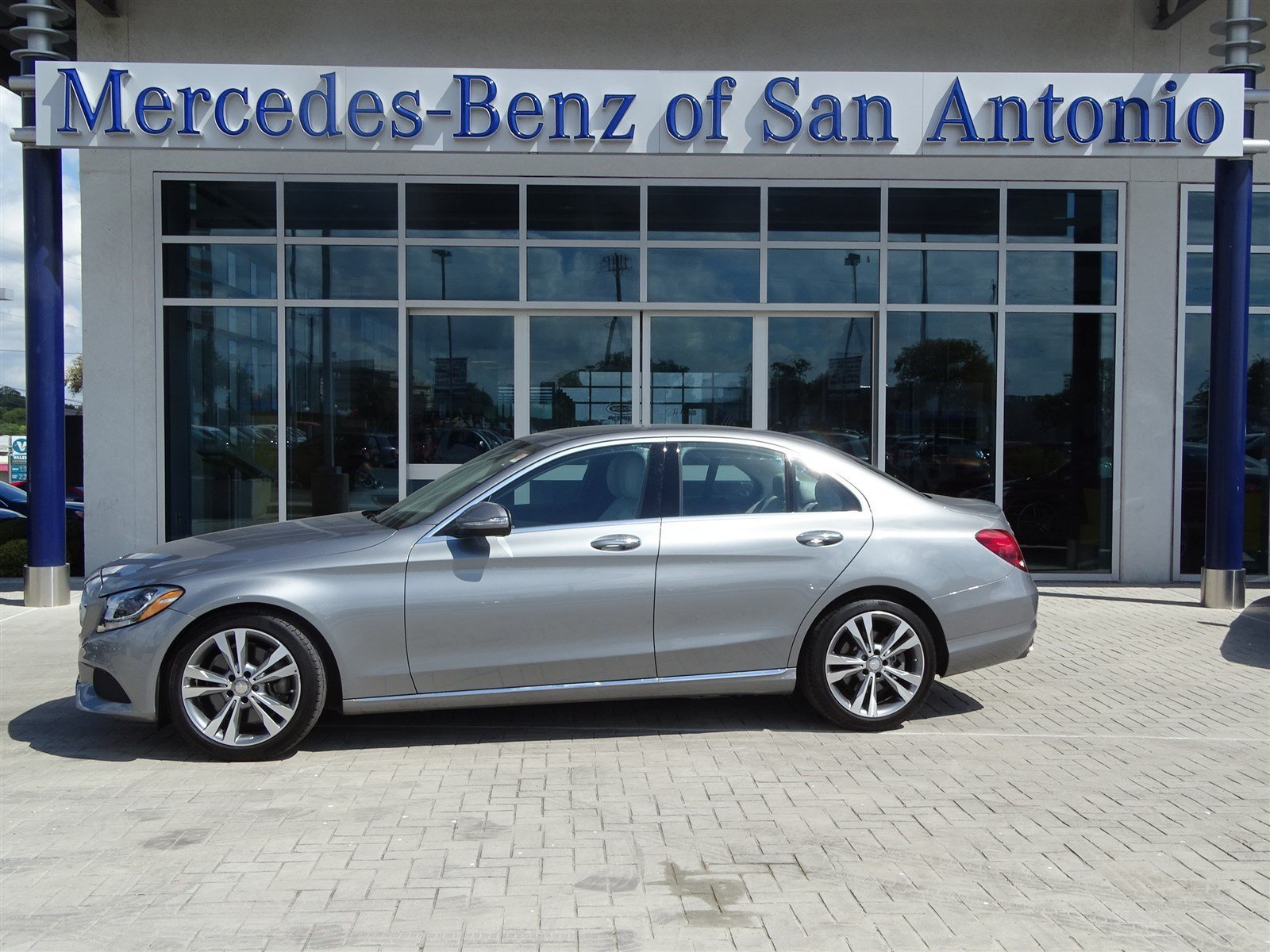Certified pre owned 2015 mercedes benz c class c300 sedan for Used mercedes benz in san antonio