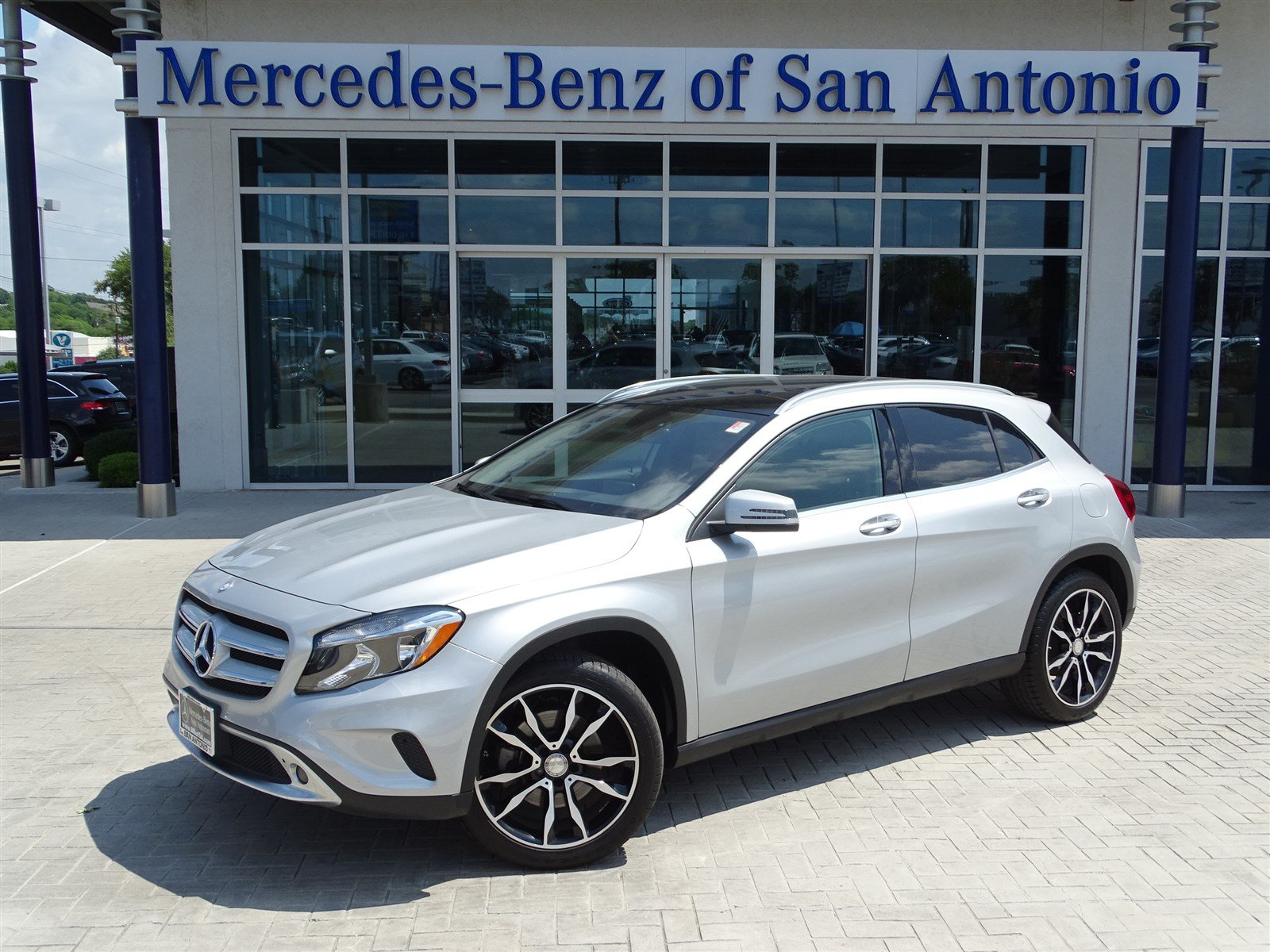 Certified pre owned 2015 mercedes benz gla gla 250 sport for Used mercedes benz in san antonio