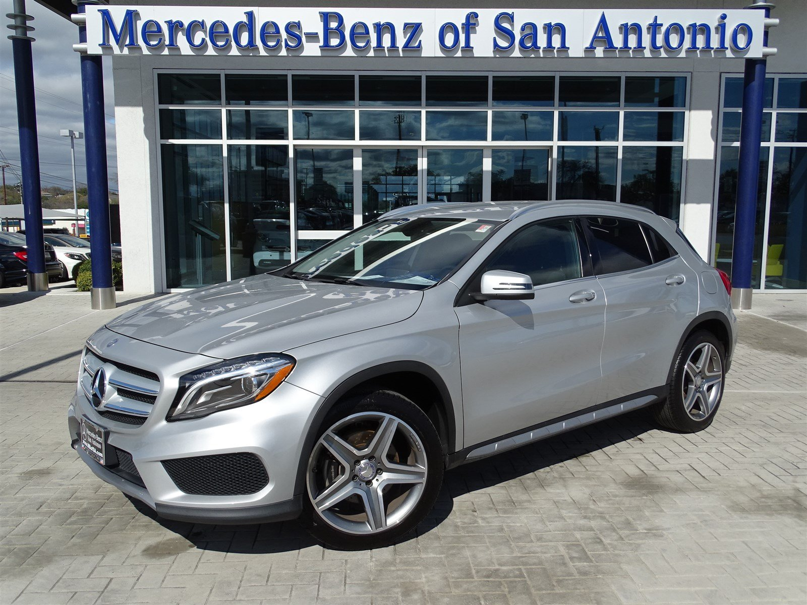 Certified pre owned 2015 mercedes benz gla gl 250 sport for Used mercedes benz in san antonio