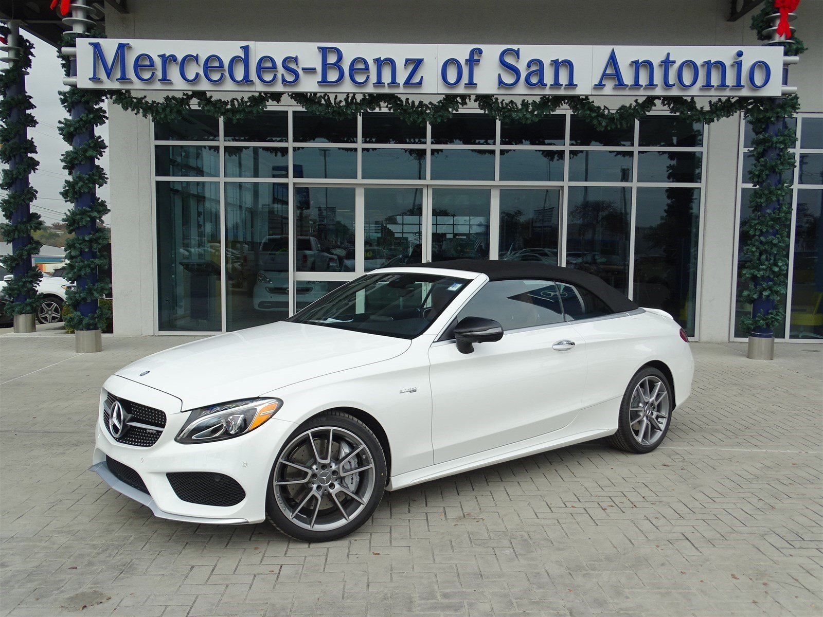 Mercedes benz dealer san antonio tx fiat world test drive for Mercedes benz in san antonio
