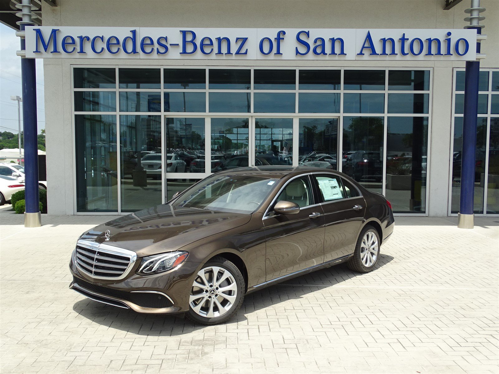 New 2017 mercedes benz e class e 300 luxury sedan in san for Mercedes benz in san antonio